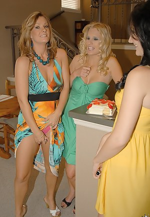 Free Lesbian Moms Orgy Porn Pictures