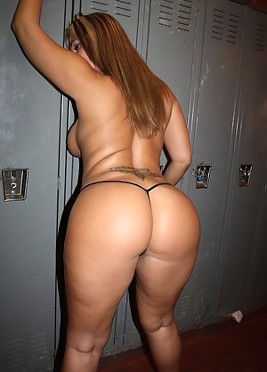 Free Moms Locker Room Porn Pictures