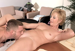 Free Moms Pussy Eating Porn Pictures