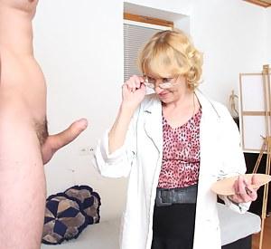 Free Moms CFNM Porn Pictures